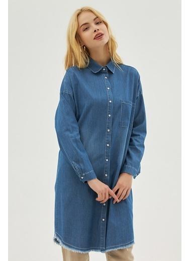 Pattaya Pattaya Kadın Püsküllü Oversize Kot Gömlek P21S110-3955 Mavi